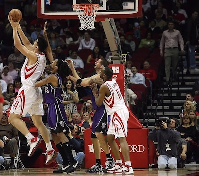 Idée sportive avec la pratique du basketball