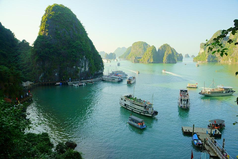 3 conseils pratiques pour la découverte de la Baie d'Halong et ses attraits