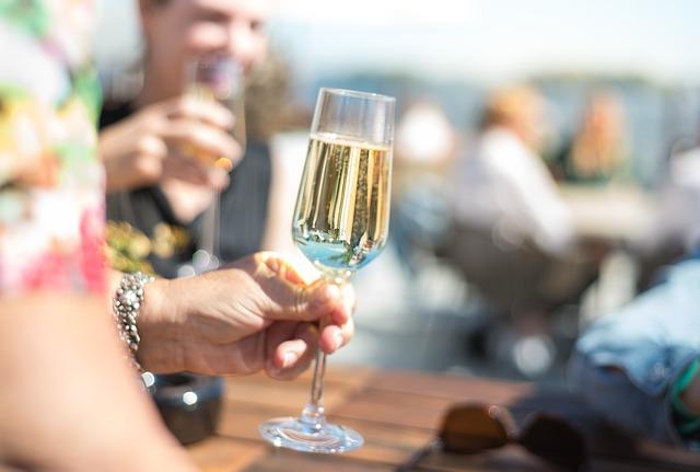 Comment puis-je préparer le toast de mariage parfait?