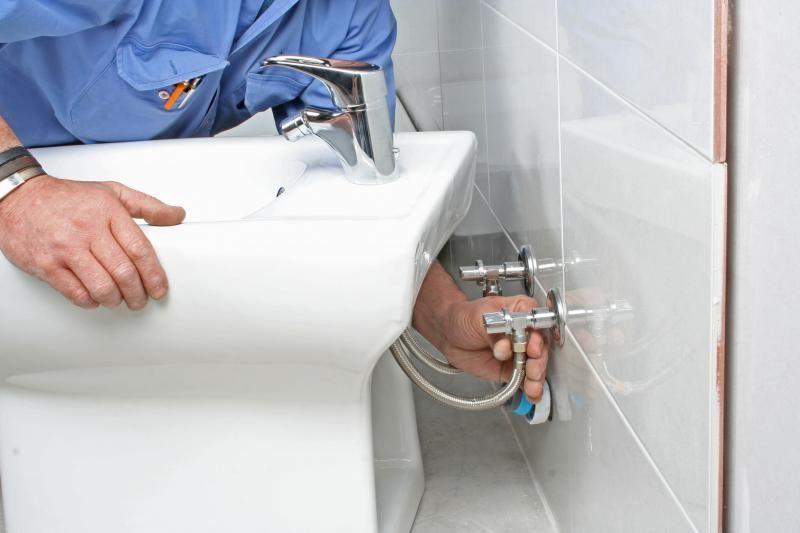 Comment remplacer un bidet par un lavabo ?